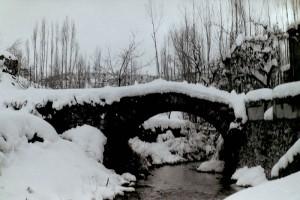 Antiguo puente en Pontón Alto en Santiago-Pontones
