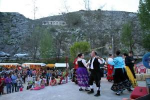 Bailes folclóricos en Santiago-Pontones. Fotografía Serafín Fernández